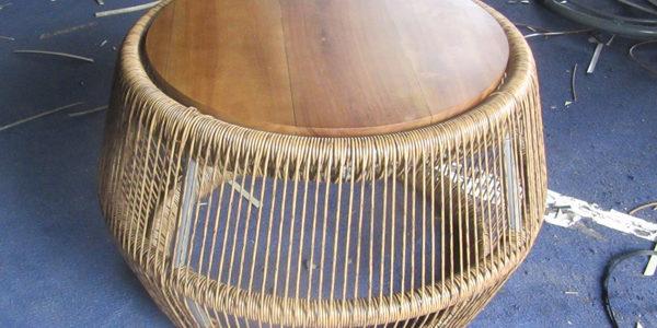 Hướng dẫn đan bàn nhựa giả mây tại xưởng đan mẫu Công ty Minh Thy