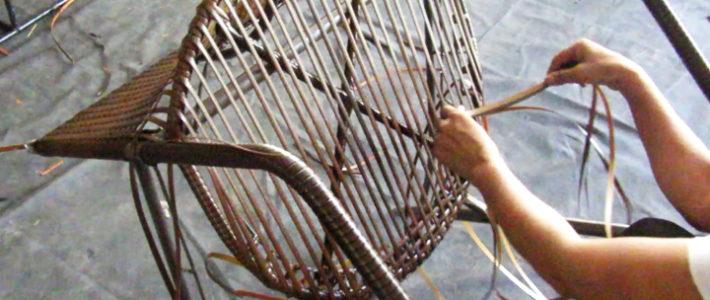 Cách thức đan bàn ghế café mây nhựa MT2A29  sân vườn tại xưởng sản xuất Minh Thy Furniture