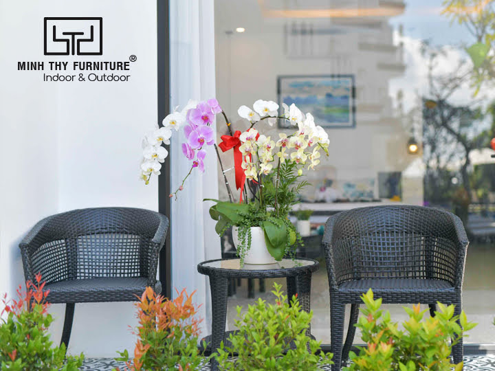 minh-thy-furniture-cung-cap-ban-ghe-cafe-sofa-may-nhua-ban-ghe-quay-bar-tai-Gem-riverside-11