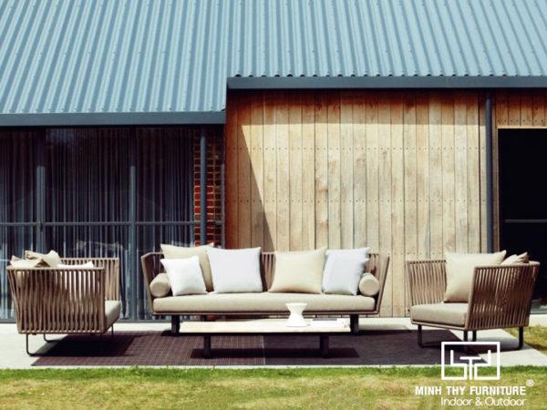 sofa-may-nhua-san-vuon-MT1A73