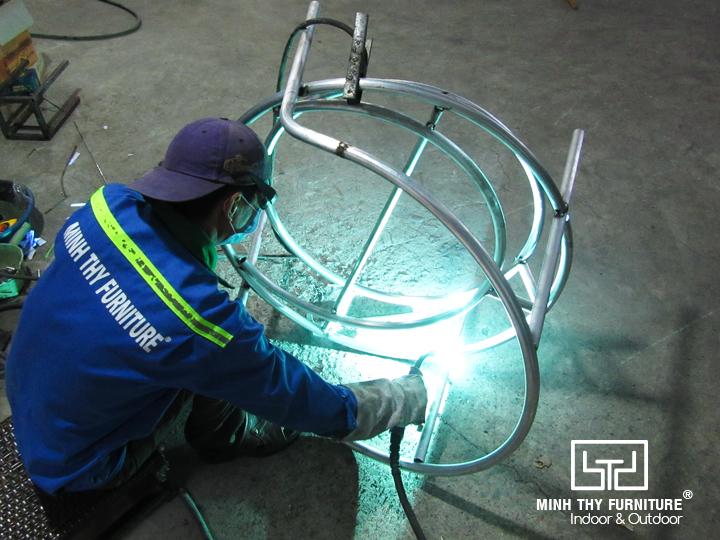Xưởng cơ khí sản xuất khung ghế giả mây